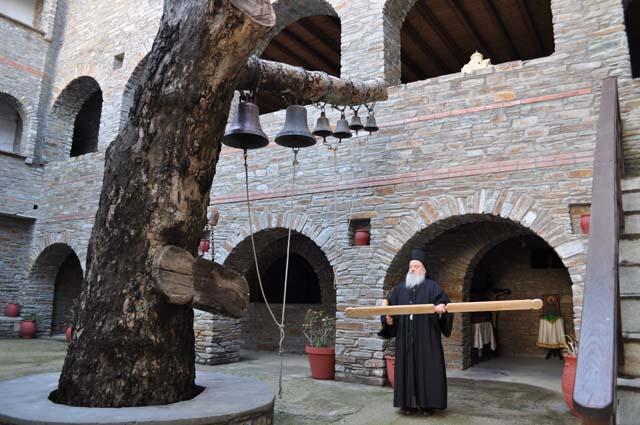 Ιστορικό Ιεράς Μονής Αγίας Μαρίνας της Άνδρου.