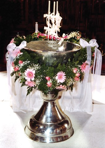 Η Βάπτιση δεν είναι γιορτούλα, είναι Μυστήριο μεγάλο.