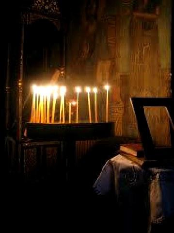 Ανάβοντας ένα κερί για τον εχθρό...