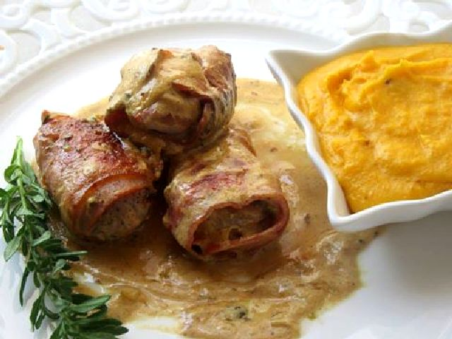 Ψαρονέφρι με μπέικον με σάλτσα μουστάρδας & πουρές καρότου !