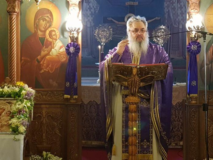 Κυριακή της Σταυροπροσκυνήσεως στον Ιδρυματικό Ναό του Αγίου Τρύφωνος Ρόδου (Φωτογραφίες)