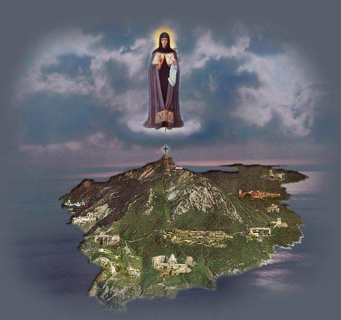 Τις νύχτες στο Άγιον Όρος δεν φωτίζει μόνο το φως του φεγγαριού