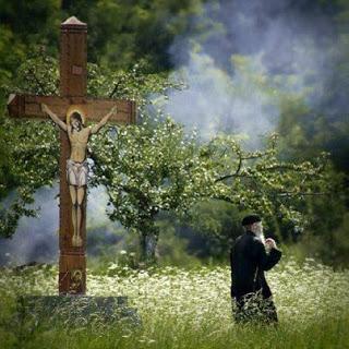 Όταν βάλουμε το Χριστό στη ζωή μας και κάνουμε σχέση μαζί Του, θα αναλάβει Εκείνος το Σταυρό μας…