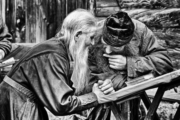Καταπληκτικό : Ο Γέροντας, π. Σίμων Αρβανίτης (1901-1988) και ο υποτακτικός του, μοναχός, π. Ζωσιμάς (1937-2010)