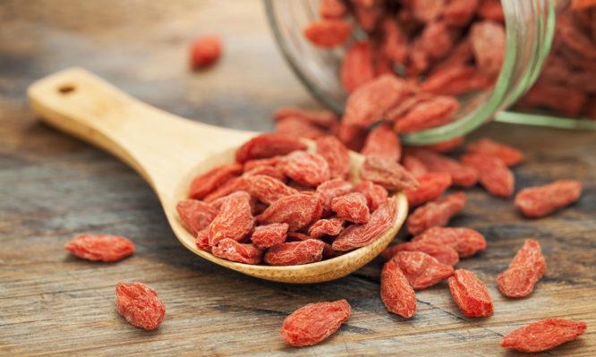Γκότζι μπέρι (goji berries): Οφέλη και… παρενέργειες που πρέπει να γνωρίζετε