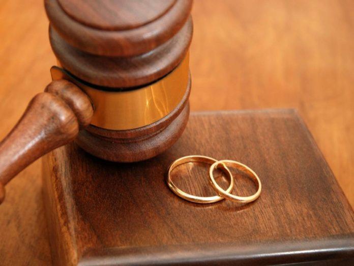 Ὅταν ἔχουμε ἕνα διαζύγιο, ἄσχετα ἀπό τίς αἰτίες τοῦ διαζυγίου, ἔχουμε μία σαρωτική νίκη τοῦ σατανᾶ. Λέει ὁ διάβολος:
