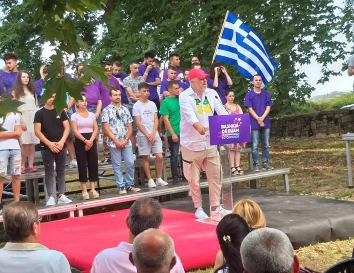 Αλβανία : Δεν είμαι υπερήφανος με την ελληνική σημαία