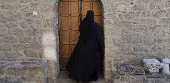 Μια Μοναχή με σπλαχνική καρδιά γεμάτη προσευχή