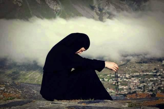 Προσευχή: Έχουμε μεγάλο και σκληρό αγώνα πρέπει να νικηθούν οι δαίμονες και  πρέπει να νικήσει ο χριστιανισμός η Ελπίδα σας στο Θεό - Askitikon
